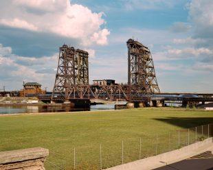 Matt Gunther Photographer Landscape ewark-bridge-in-the-city-ab.jpg